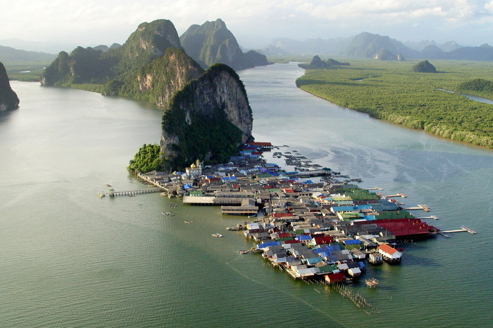 Phang Nga Bay: Local Town with Gorgeous Natural Surroundings