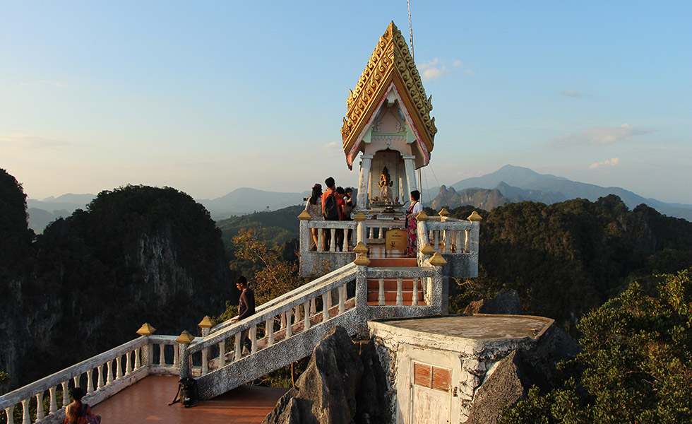 Tiger Cave Temple: 1,237 Steps to the Top