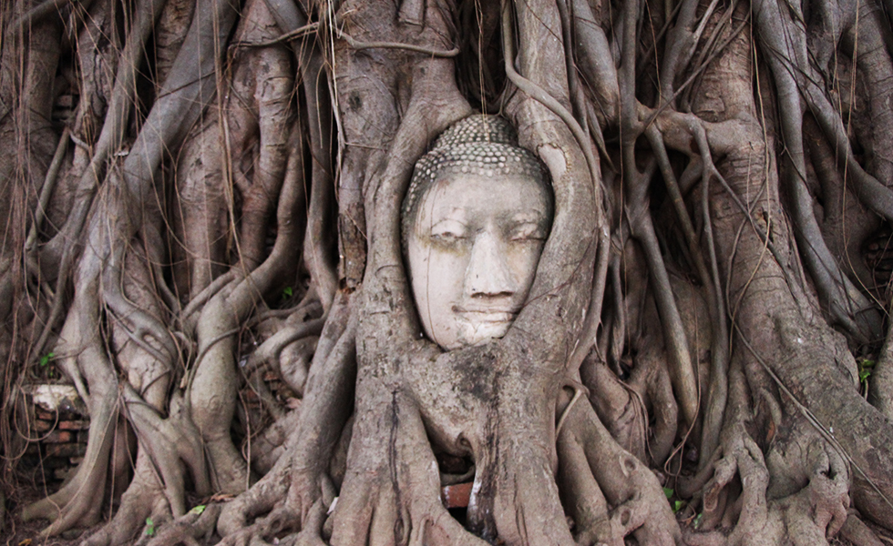 Ayutthaya: Former Capital with Beautiful Ancient Temples