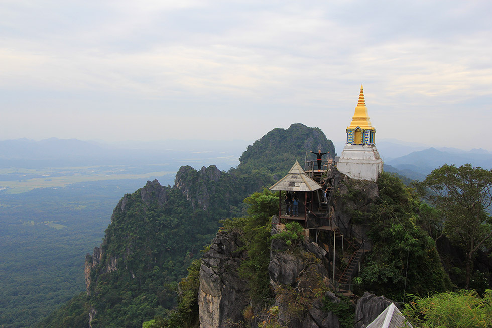 Wat Chalermprakiat in Lampang: This Temple Brings You Closer to Heaven